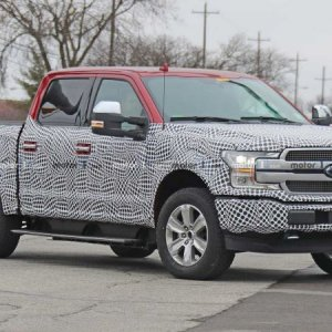 ford-f-150-ev-spy-shots (1).jpg